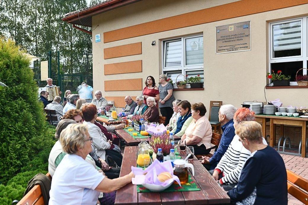 Jesienny piknik dla Seniorów z Dziennego Domu Senior+ w Nowodworzu